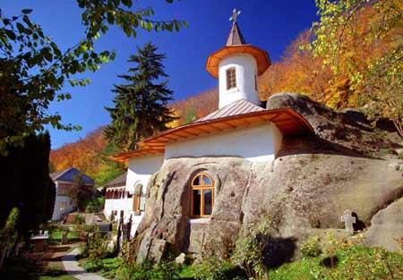Biserica ortodoxă a recunoscut: Dumnezeu nu te salvează de Covid-19 2