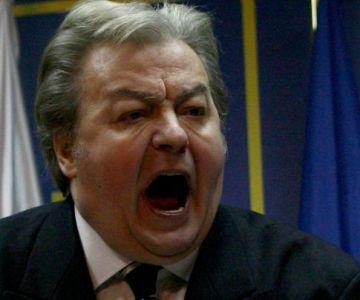 A murit Vadim. România vinde cămașă de forță, uzată 2