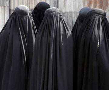 Bărbații să poarte burkă, nu femeile 4