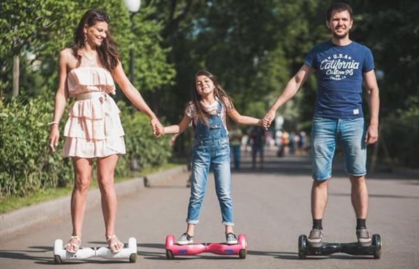 E țara plină de handicapați? De ce-s așa mulți pe hoverboard-uri? 6