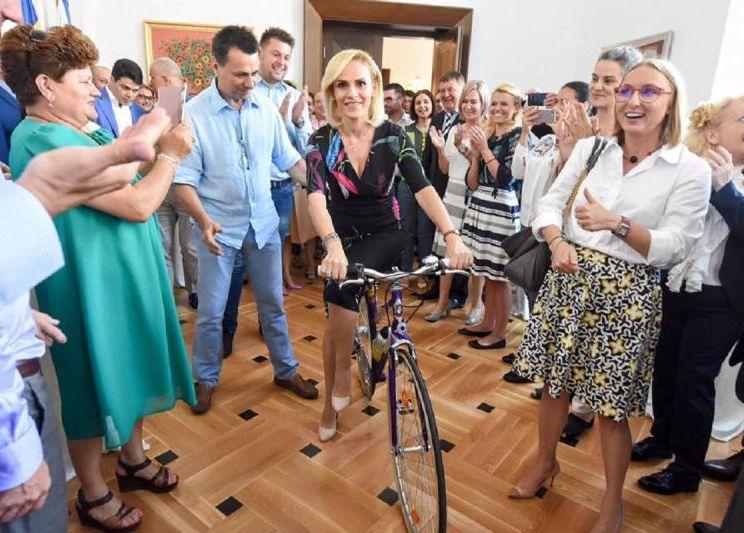Pe Firea o doare-n pistă de bicicliști 11