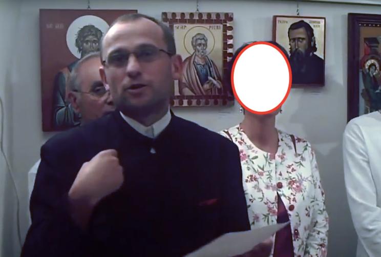 Un preot s-a masturbate într-o școală. Mare labă 1