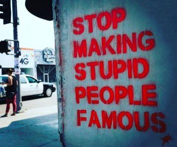 Se poate o lume fără proști faimoși? 4
